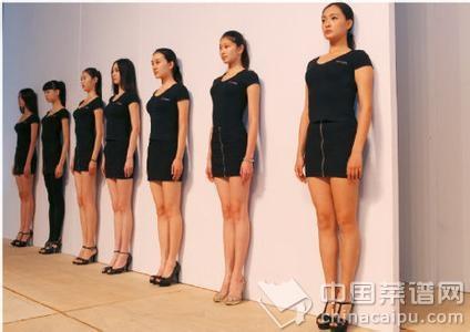 驼背矫正瑜伽_驼背的自我矫正方法6个瑜伽体式就够了
