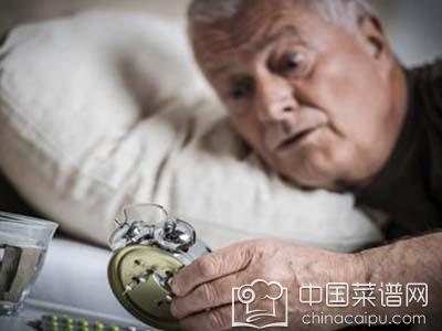 老年人失眠怎么调理 老人长期失眠这么做可调理