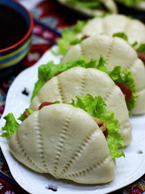 榨菜香肠荷叶饼